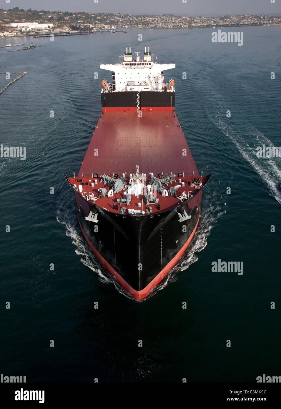 San Diego, January 9, 2014 - The Military Sealift Command mobile landing ship USNS John Glenn (MLP 2) underway off - Stock Image