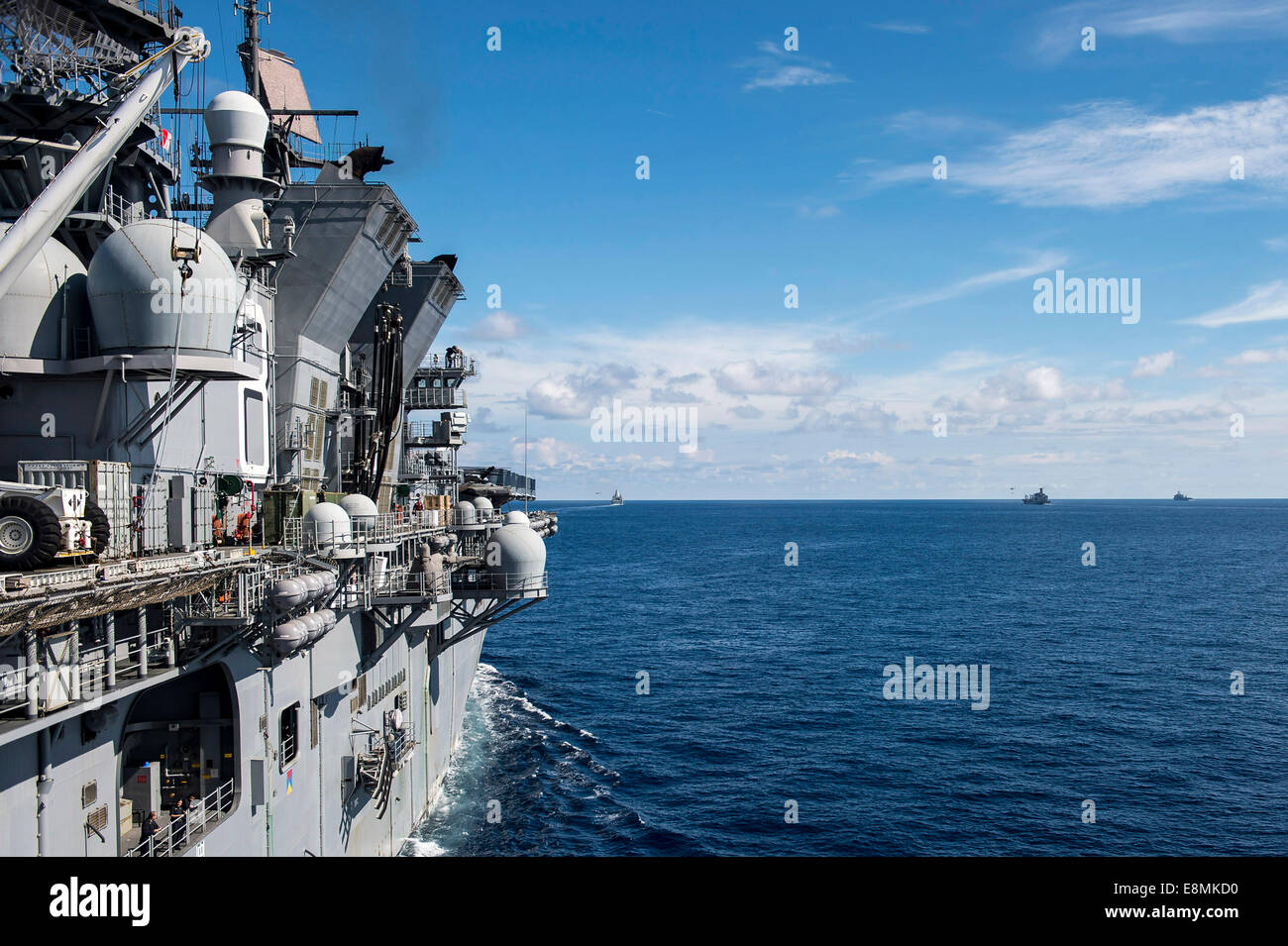 South China Sea, August 24, 2014 - The amphibious transport dock ship USS San Diego (LPD 22), the Military Sealift - Stock Image
