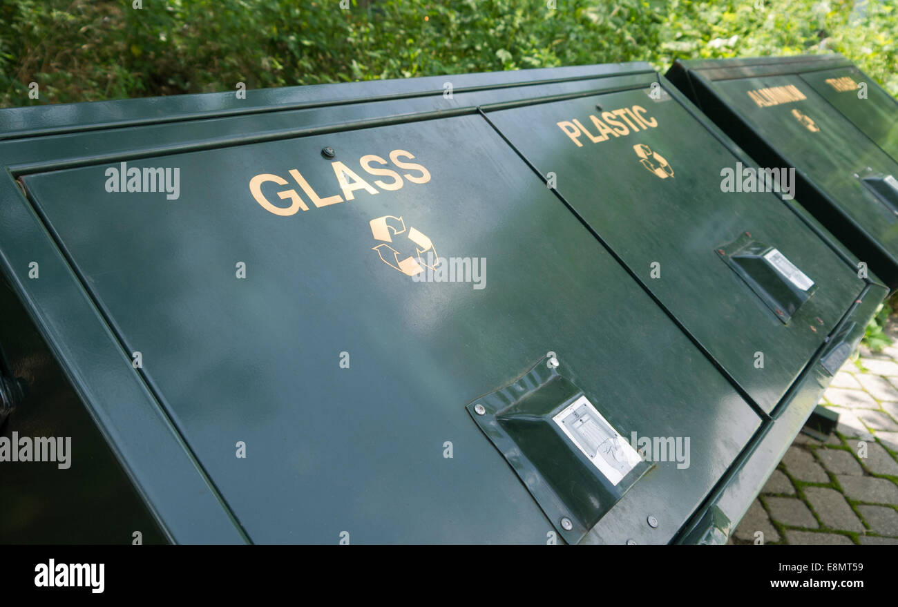 Row of recycle bins at a nature center - Stock Image