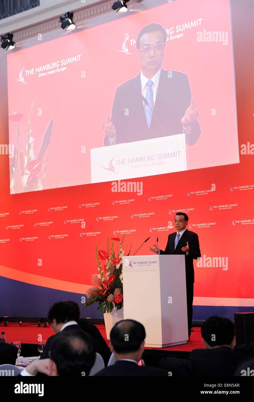 Hamburg, Germany. 11th Oct, 2014. Chinese Premier Li Keqiang delivers a keynote speech at the sixth Hamburg Summit - Stock Image