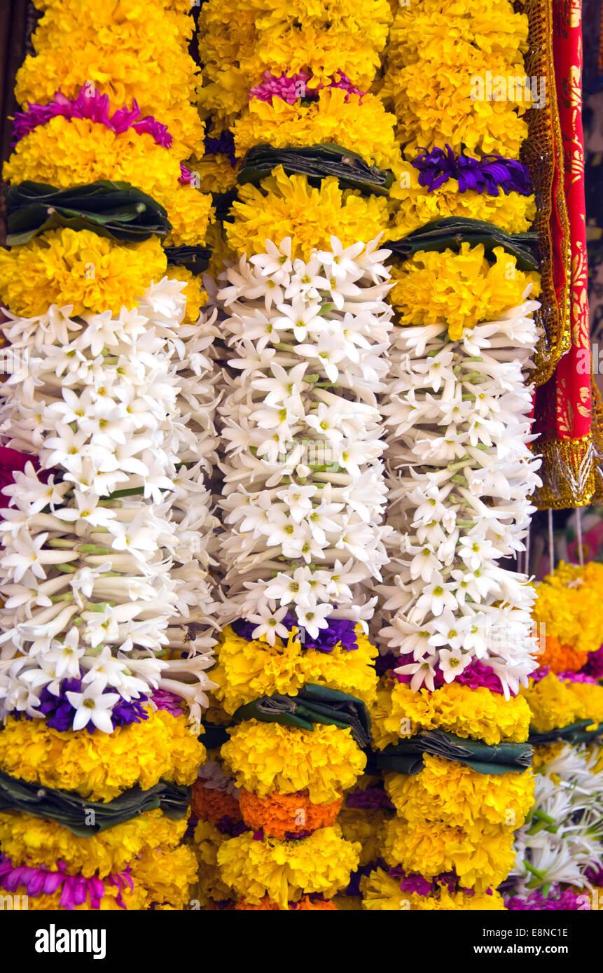 Hindu Flower Garland Stock Photos Amp Hindu Flower Garland