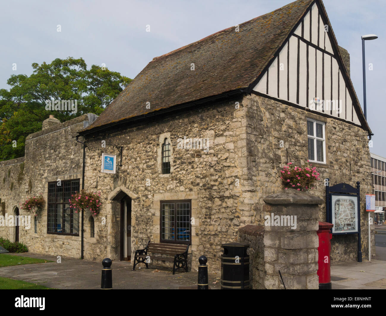 Archbishop's Palace Gatehouse  Maidstone Kent England UK used by Kent Invicta Chamber of Commerce small medieval - Stock Image