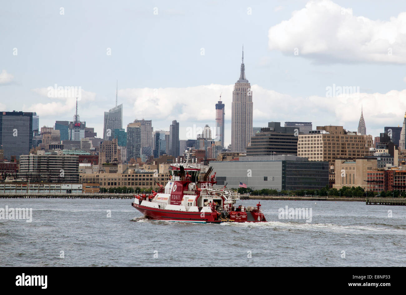 Empire State building Hudson River Fire Department Stock