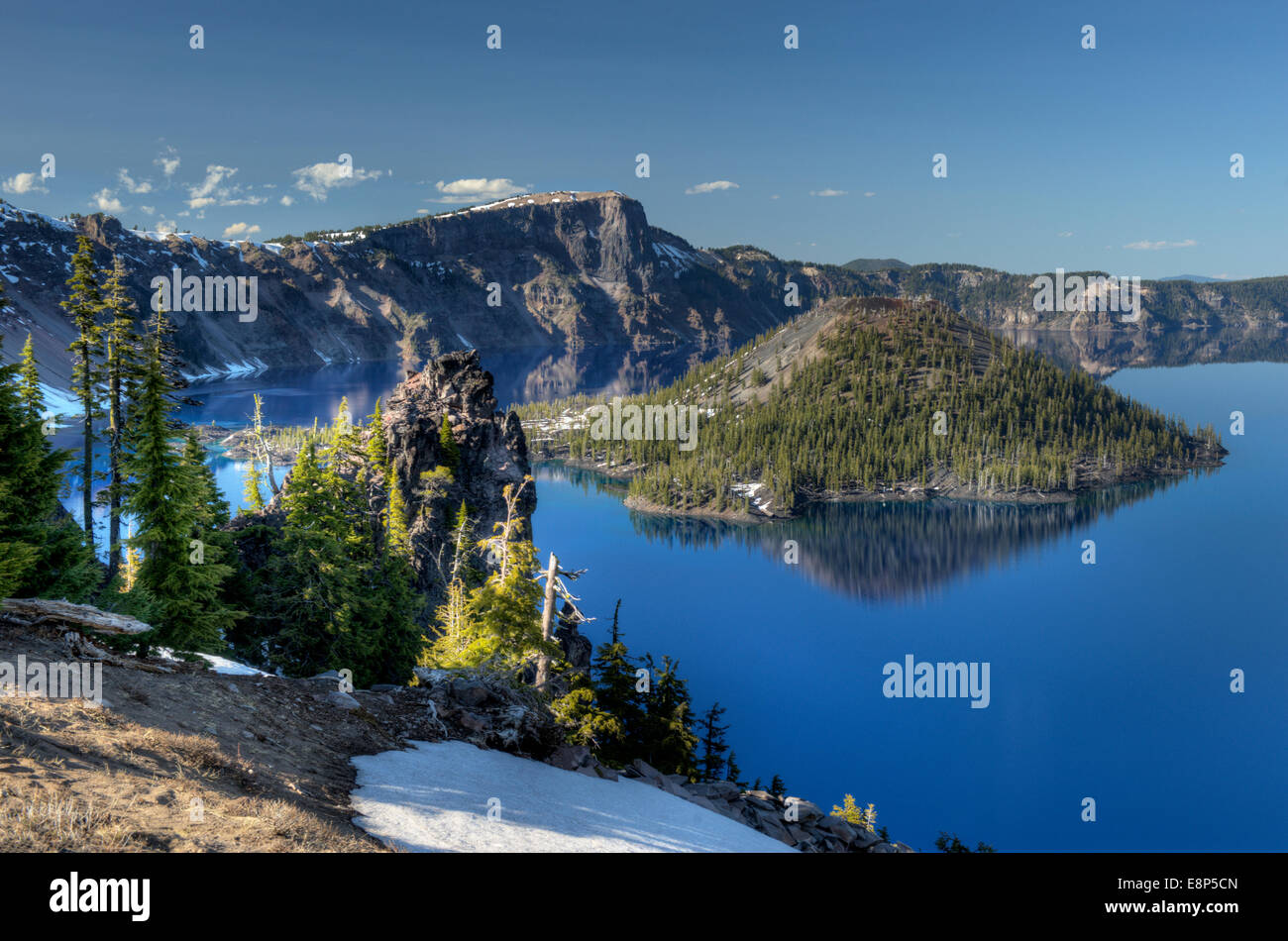 Oregon's Crater Lake with Wizard Island, as seen from Discovery Point. - Stock Image