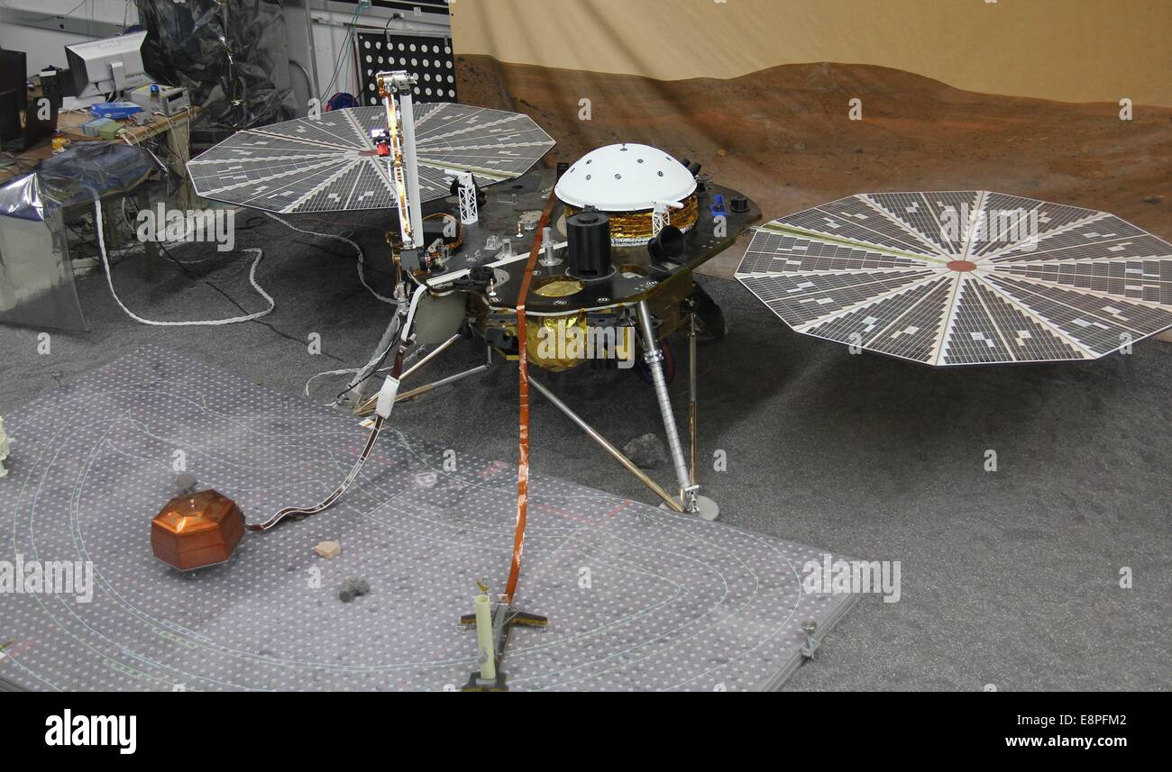 Los Angeles, USA. 12th Oct, 2014. Photo taken on Oct. 12, 2014 shows the Mars rover 'Insight' at NASA's - Stock Image