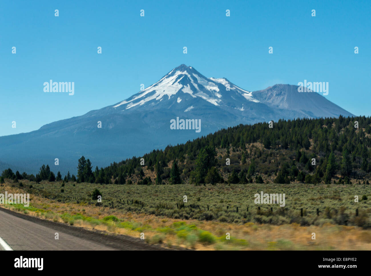 Mount Shasta - Stock Image