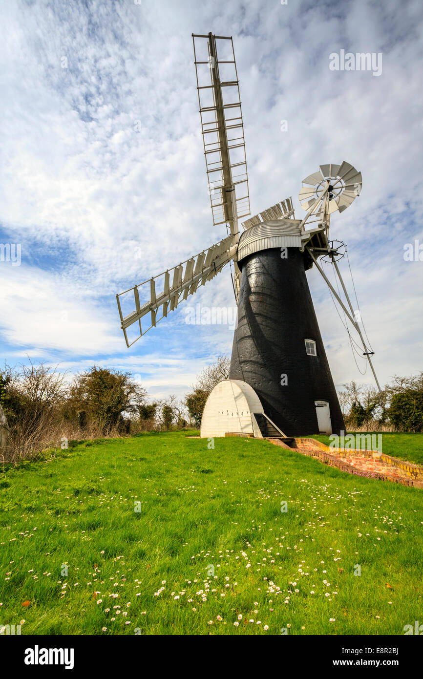 Polkey's Drainage Mill in the Broads National Park, Norfolk, England. - Stock Image