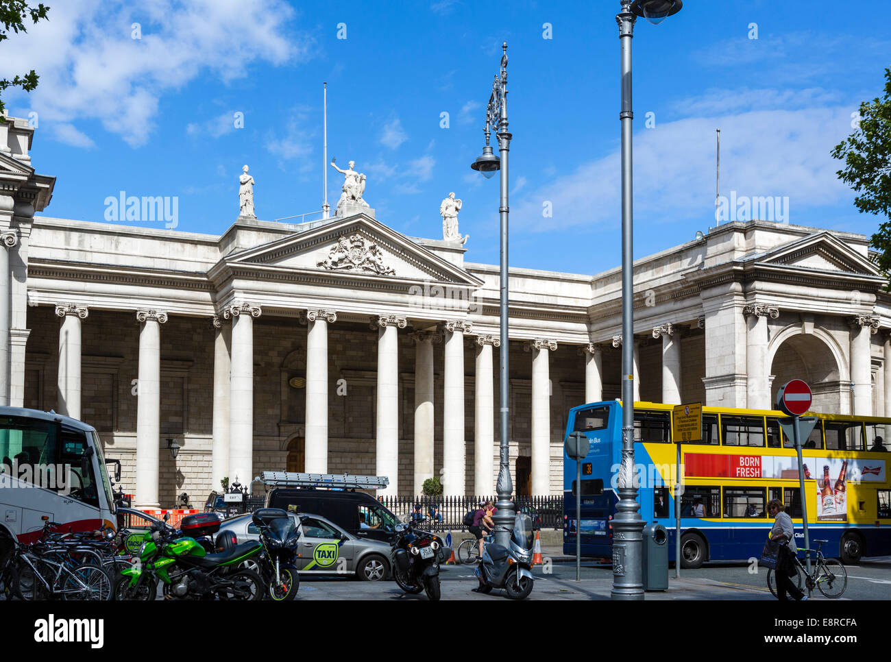 Headquarters of the Bank of Ireland on College Green, Dublin, Republic of Ireland - Stock Image
