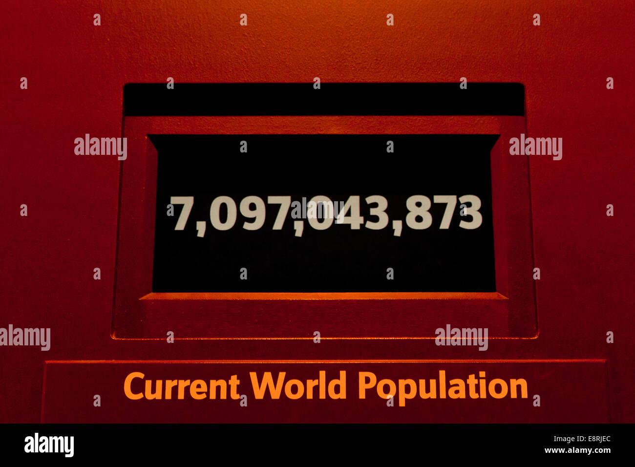 Current world population number display - Stock Image