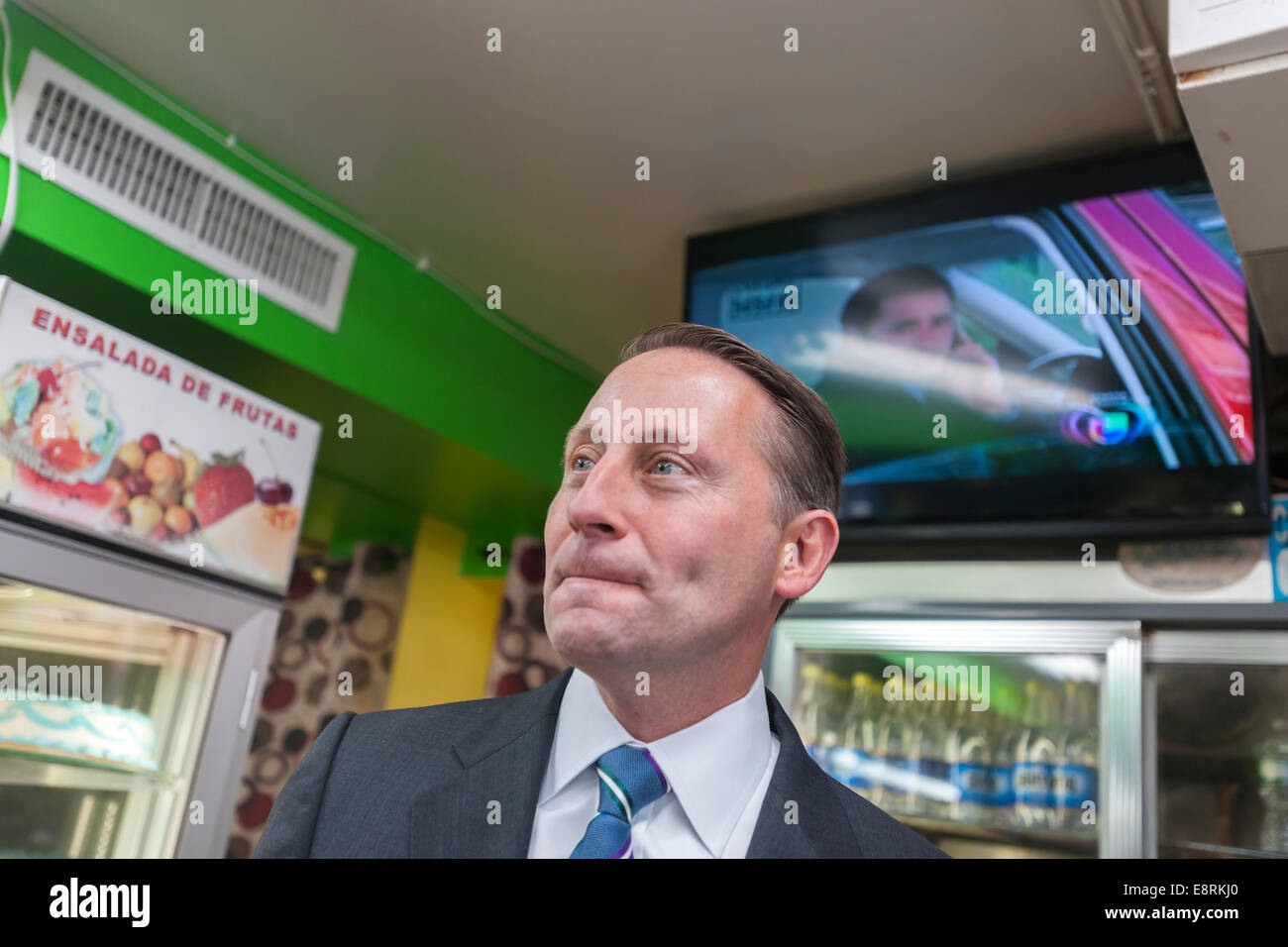 New York State Republican gubernatorial candidate Rob Astorino campaigns in Jackson Heights Queens in New York - Stock Image