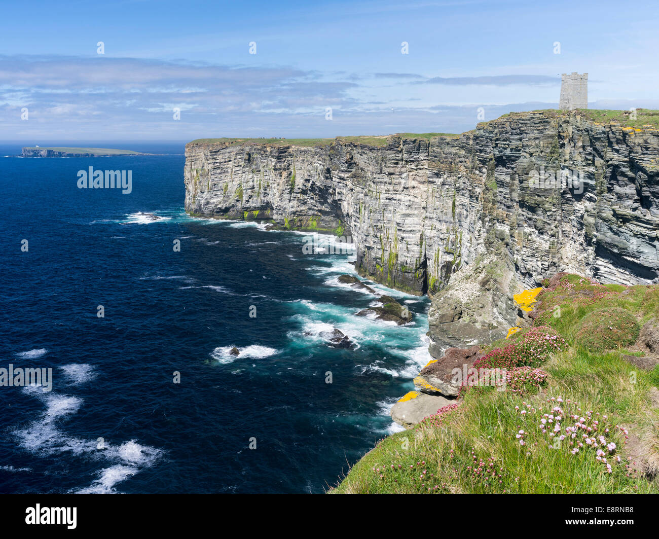The Cliffs of Marwick Head, Kitchener's Memorial, Kirkwall, Orkney islands, Scotland. (Large format sizes available) - Stock Image