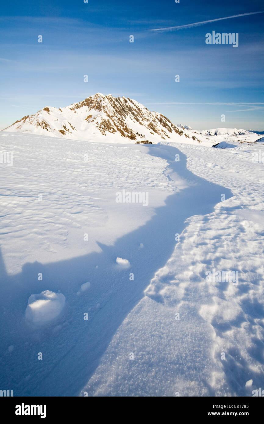 Wind pressed snow pack, Kleiner Rettenstein Mountain, Thurn Pass, Tyrol, Austria - Stock Image