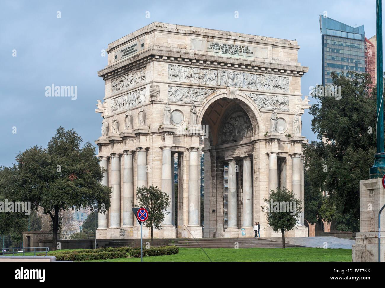 Triumphal Arch Arco della Vittoria, architecture of Italian fascism under Mussolini, Piazza della Vittoria, Genoa, - Stock Image