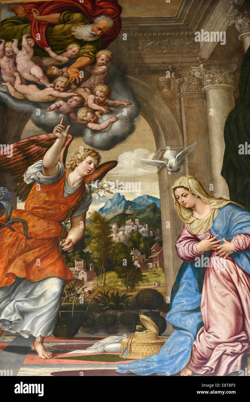 Italia Friuli V.G. Cividale  Duomo di Santa Maria Assunta del XV° sec. Tela raffigurante l'Annunciazione di Pomponio Amalteo del Stock Photo