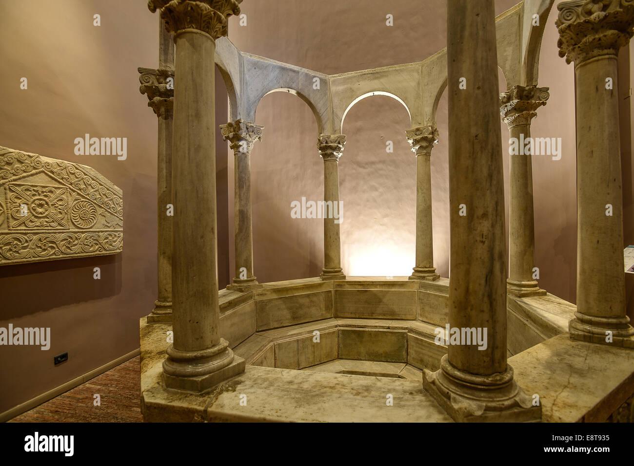 Italia Friuli V.G. Cividale  Duomo di Santa Maria Assunta  Museo Cristiano-Tesoro del Duomo. Arte longobarda, il Stock Photo