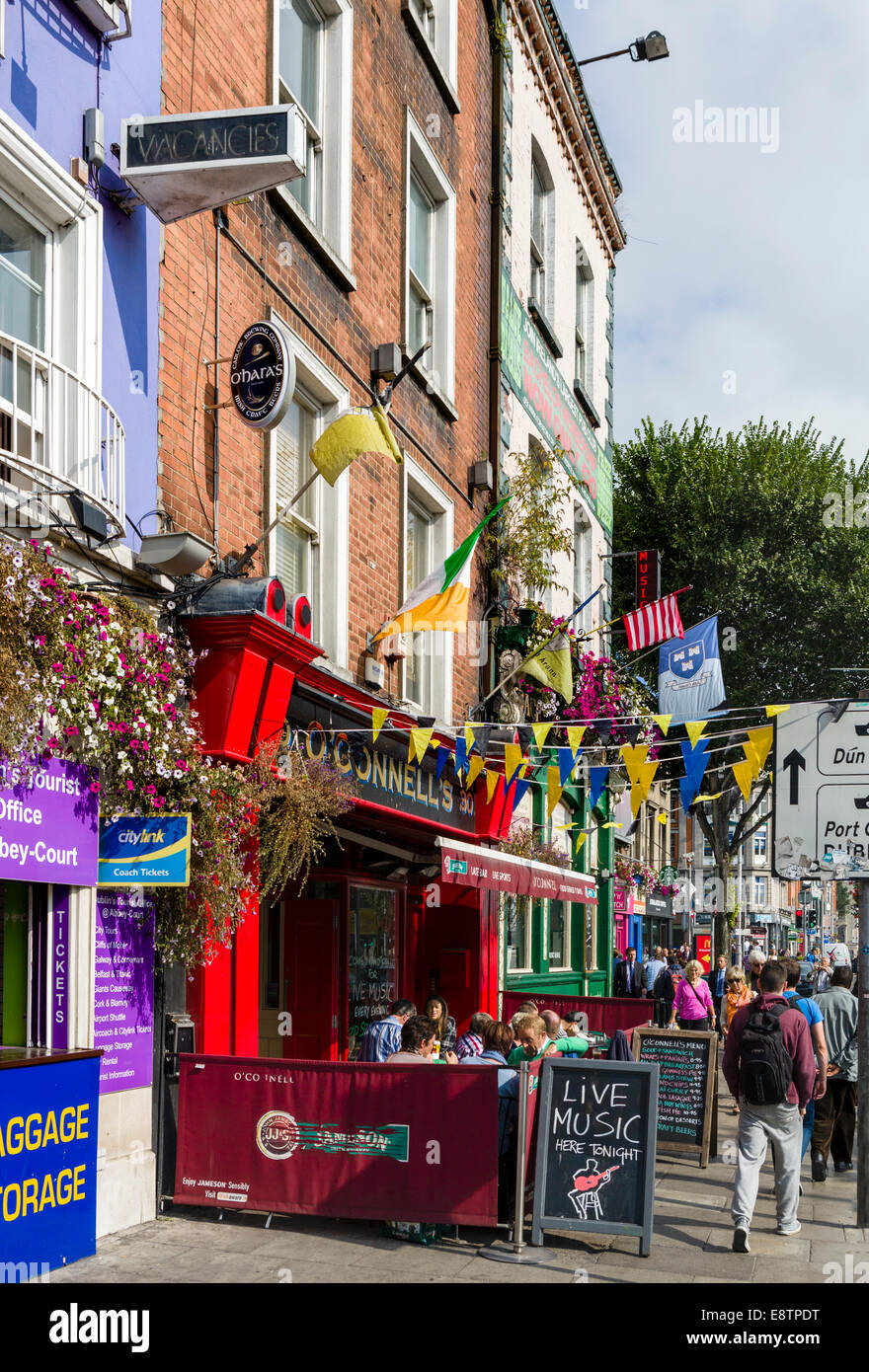 Shops and pubs on Bachelors Walk in the city centre, Dublin City, Republic of Ireland - Stock Image