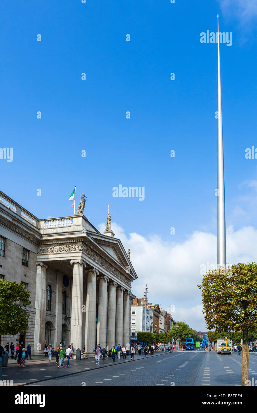The Spire of Dublin and General Post Office on O'Connell Street, Dublin City, Republic of Ireland - Stock Image