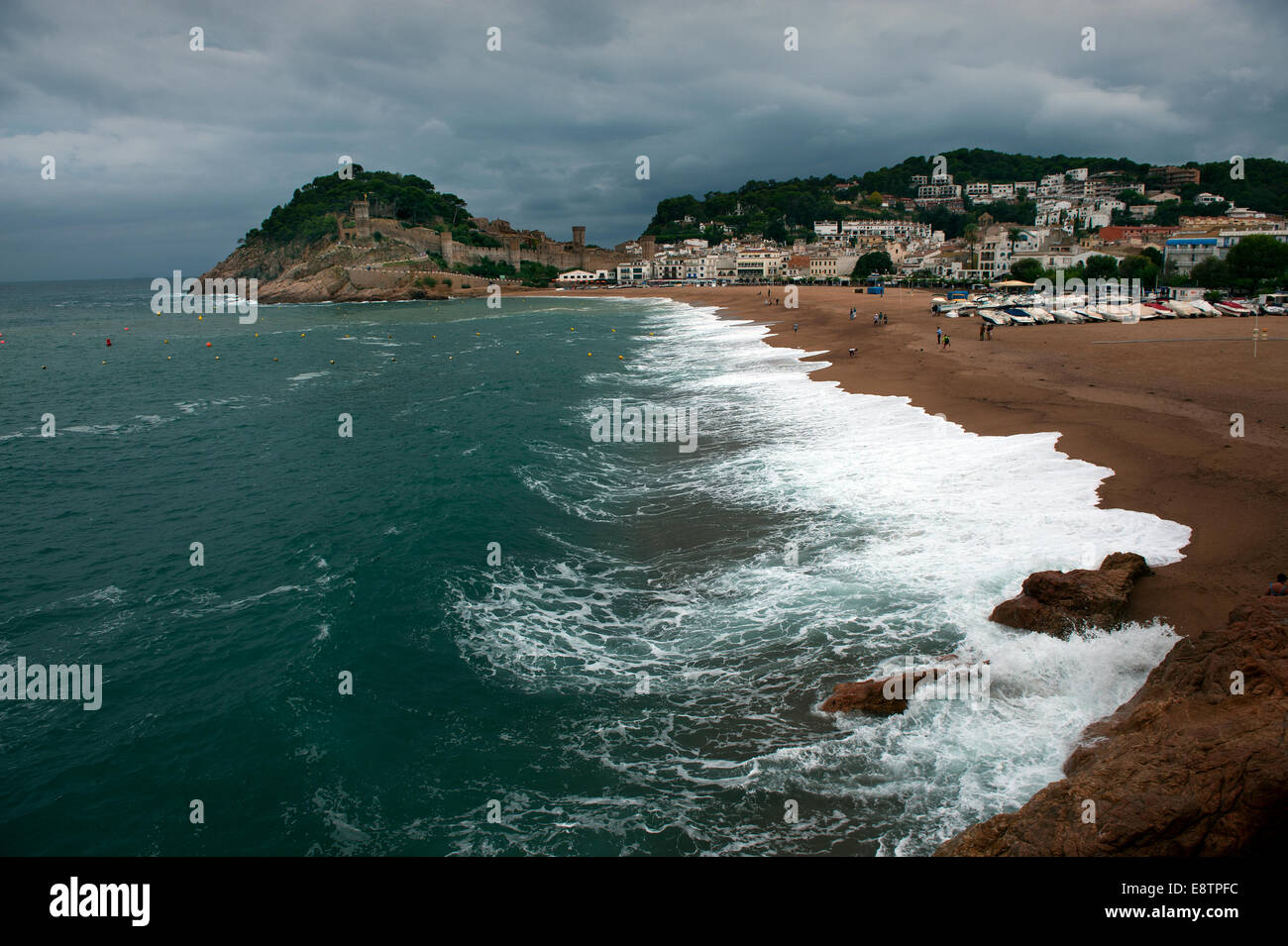 Spain Catalonia. Tossa de Mar showing the castle above the bay. Sept 2014 - Stock Image