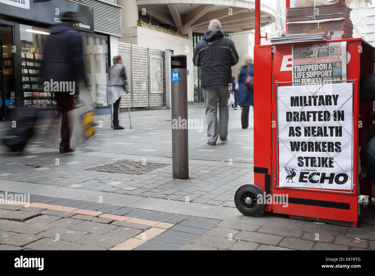 """Williamson Square, Liverpool, Merseyside, UK.  14th October, 2014.  """"Military drafted in as Health Workers Strike"""" Stock Photo"""