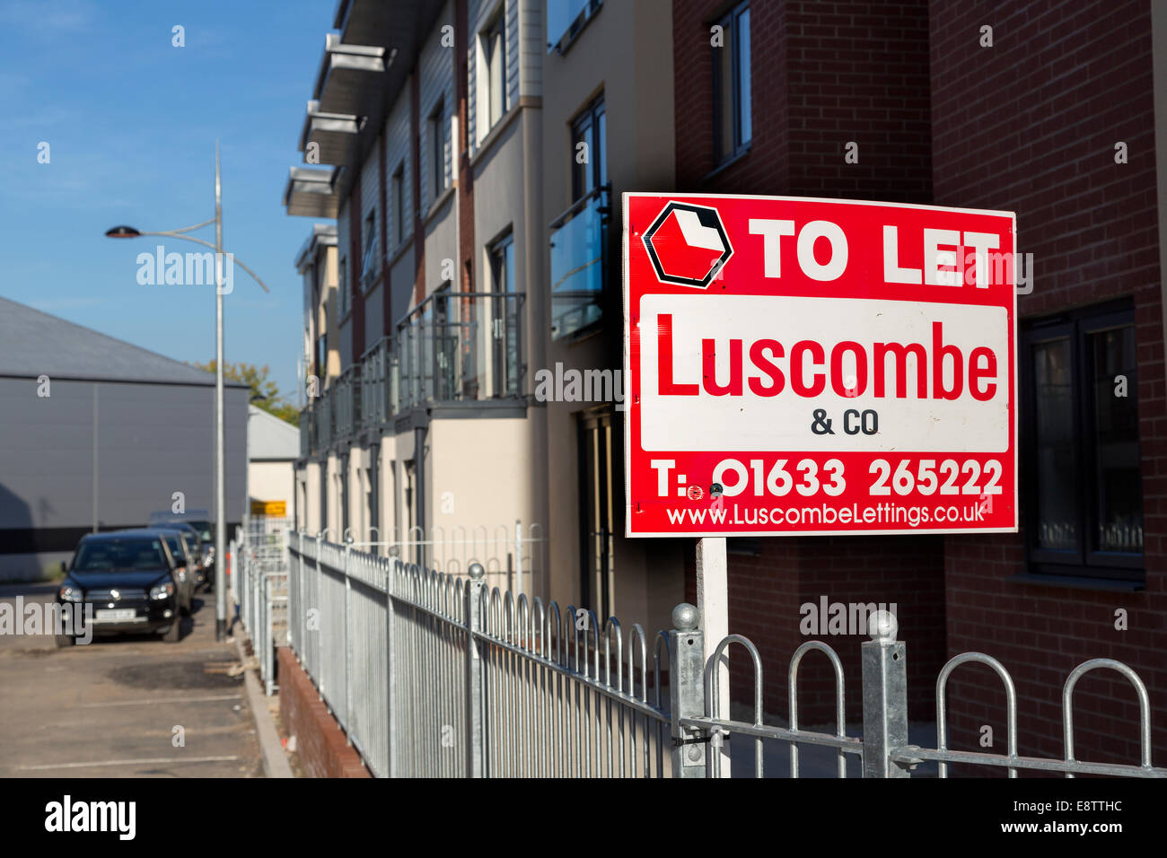 To let sign on new build houses, Newport, Wales, UK - Stock Image