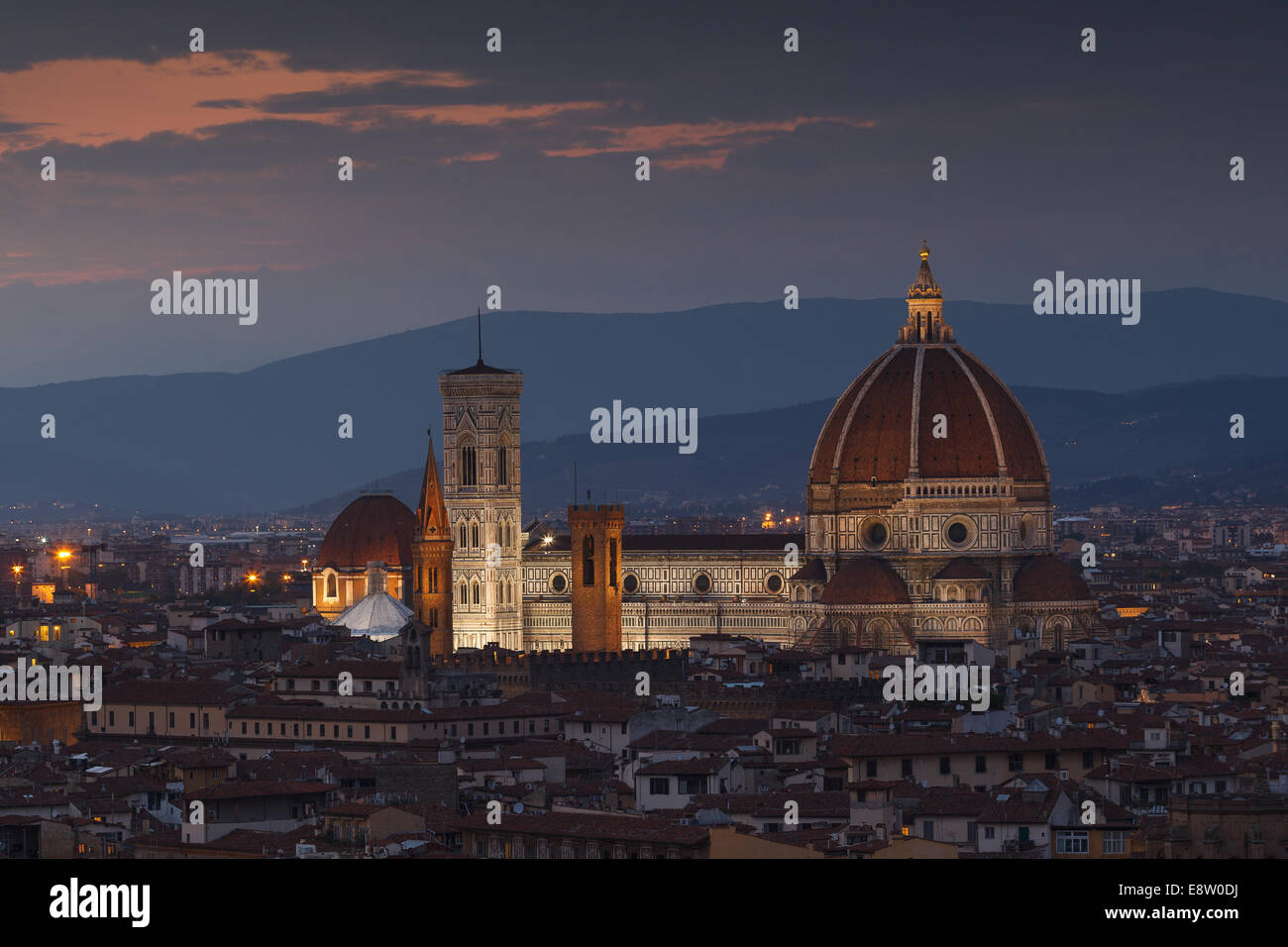 Santa María del Fiore Cathedral at night from Piazzale Michelangelo, Florence, Tuscany, Italy. - Stock Image