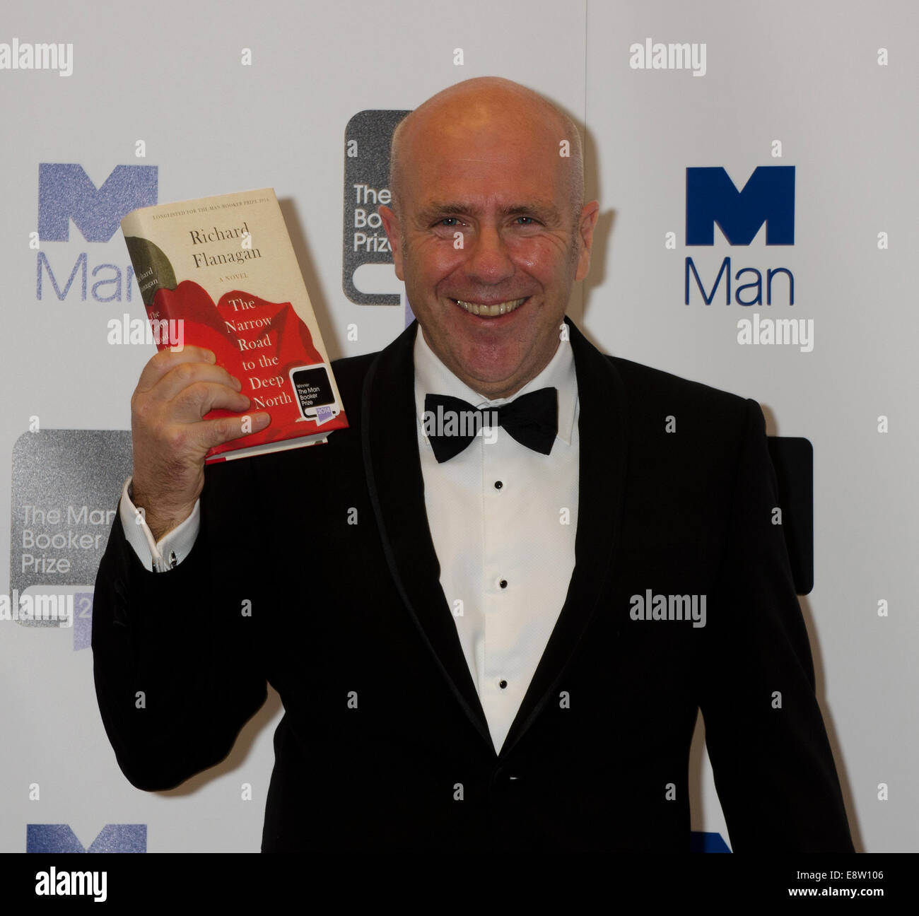 Man Booker Prize for Fiction 2014 winner Richard Flanagan for The Narrow Road to the Deep North (Chatto & Windus) - Stock Image