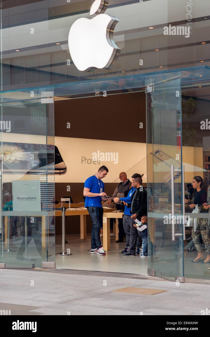 The Apple computer store in Adelaide Australia Stock Photo