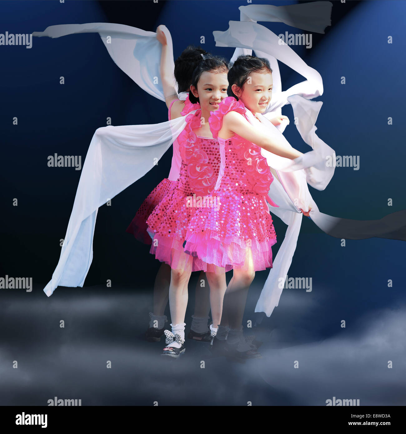 Little Girl Dancing Stock Photos & Little Girl Dancing Stock Images - Alamy
