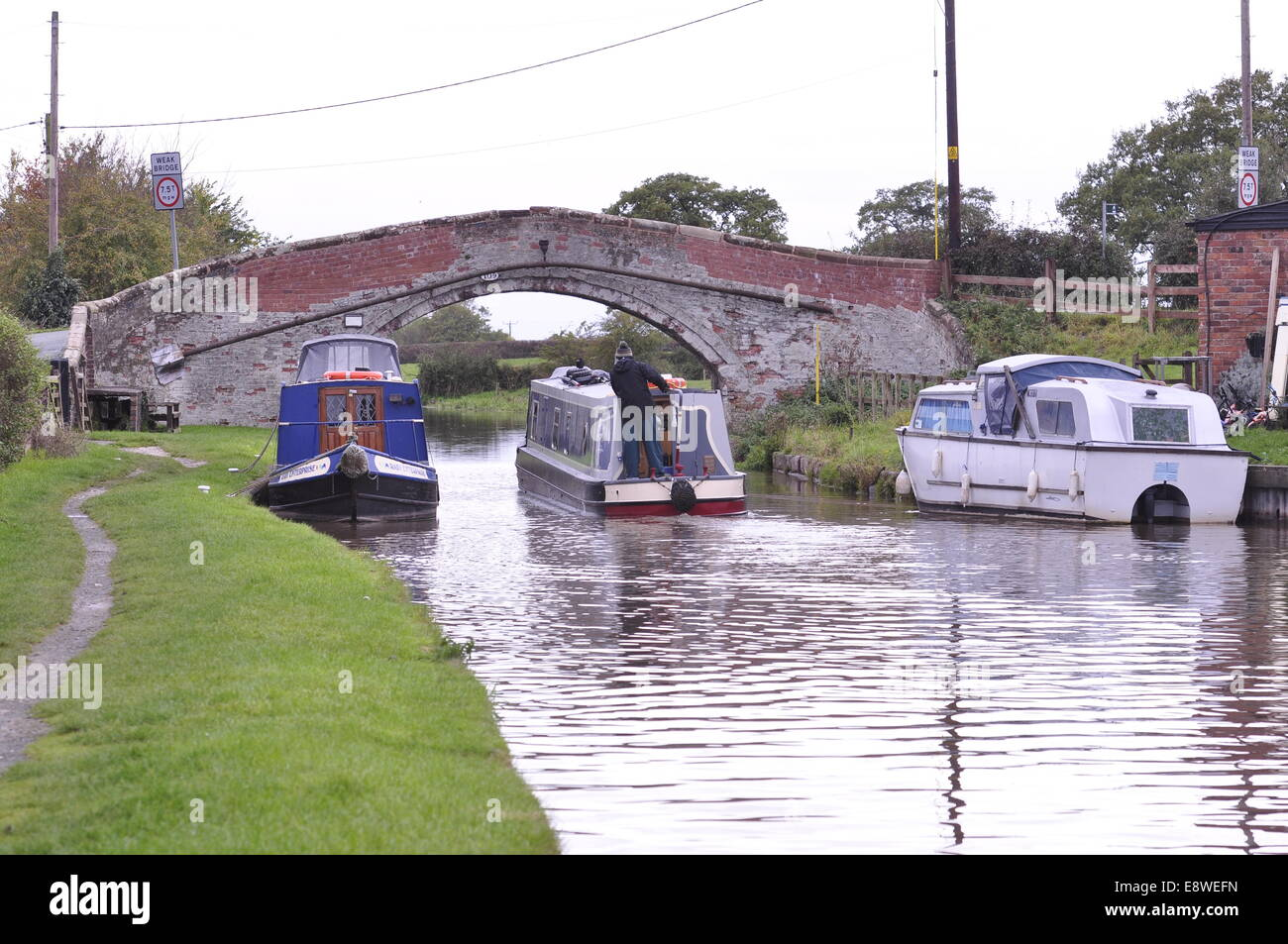 Bridge 109 on the Shropshire Union Canal near Beeston castle between Chester and Nantwich - Stock Image