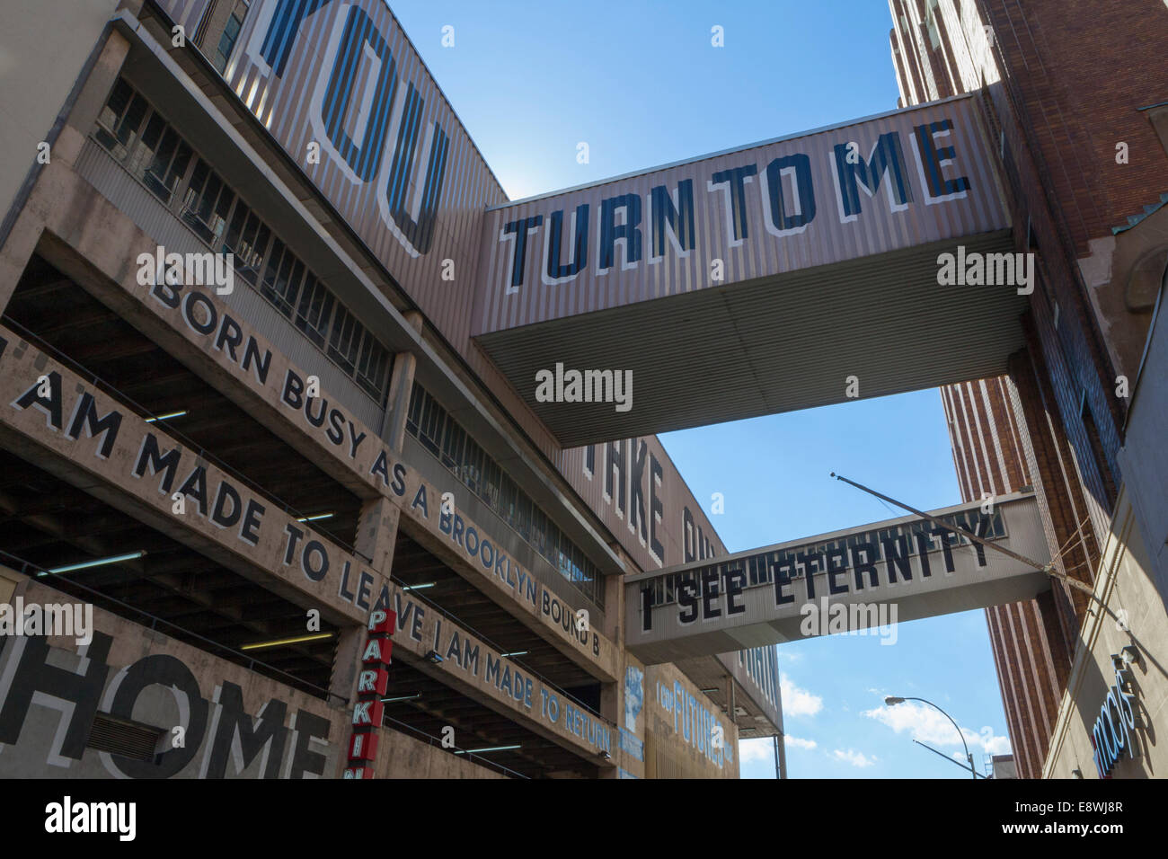 ESPO's 'Love Letter to Brooklyn' painted on Macy's Parking Garage in Hoyt Street, Brooklyn - Stock Image