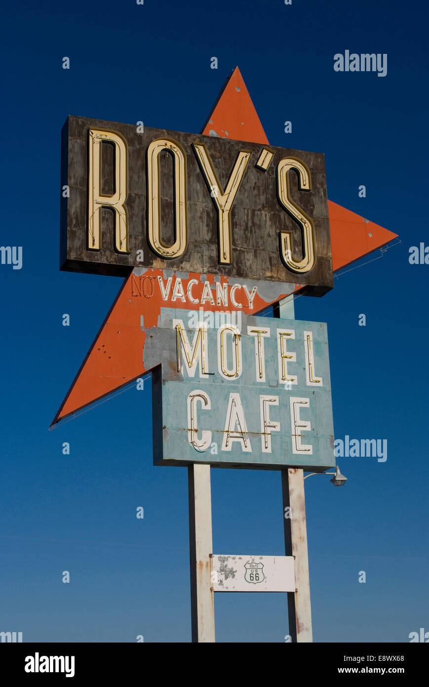 Old motel sign on Route 66, Amboy, California, USA - Stock Image