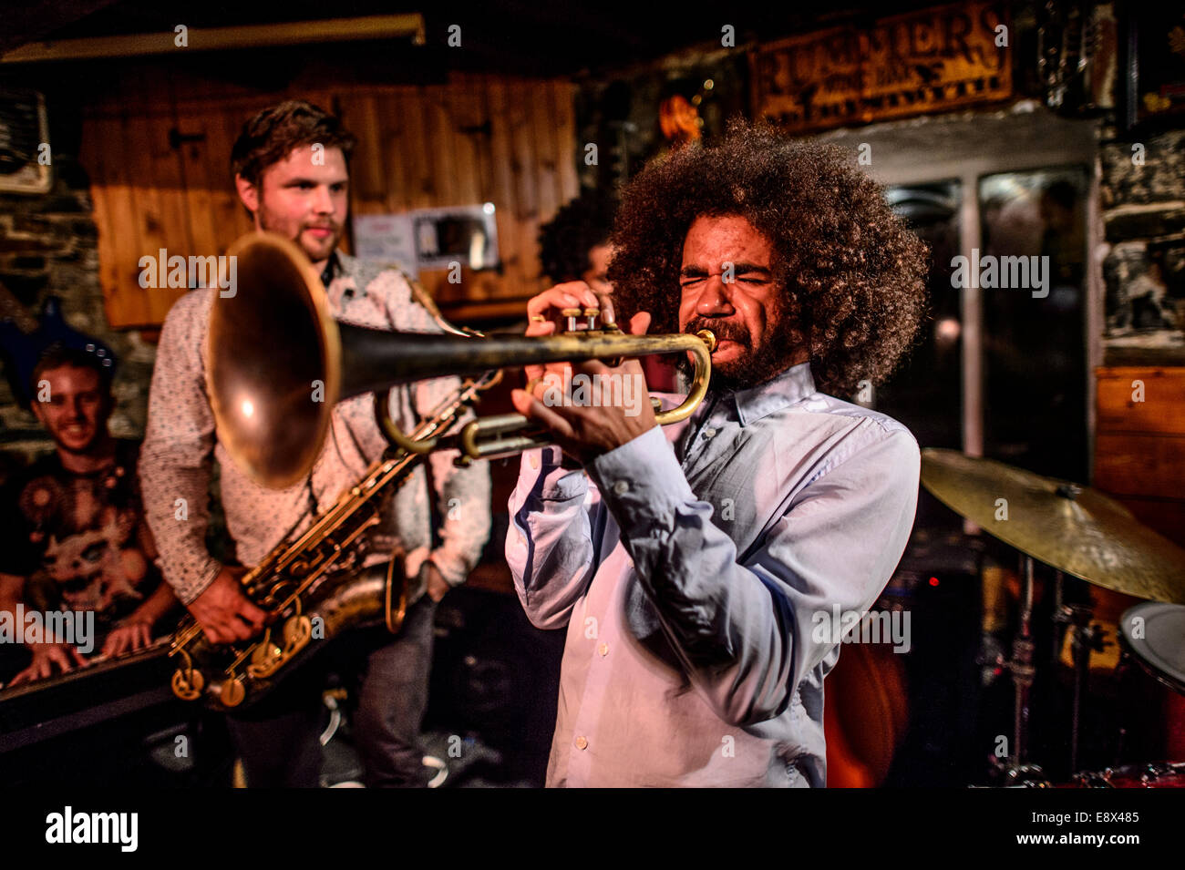 'The Session' Jazz Quintet playing in a small local bar at the annual Aberystwyth MusicFest July 2014  (BHZ) - Stock Image