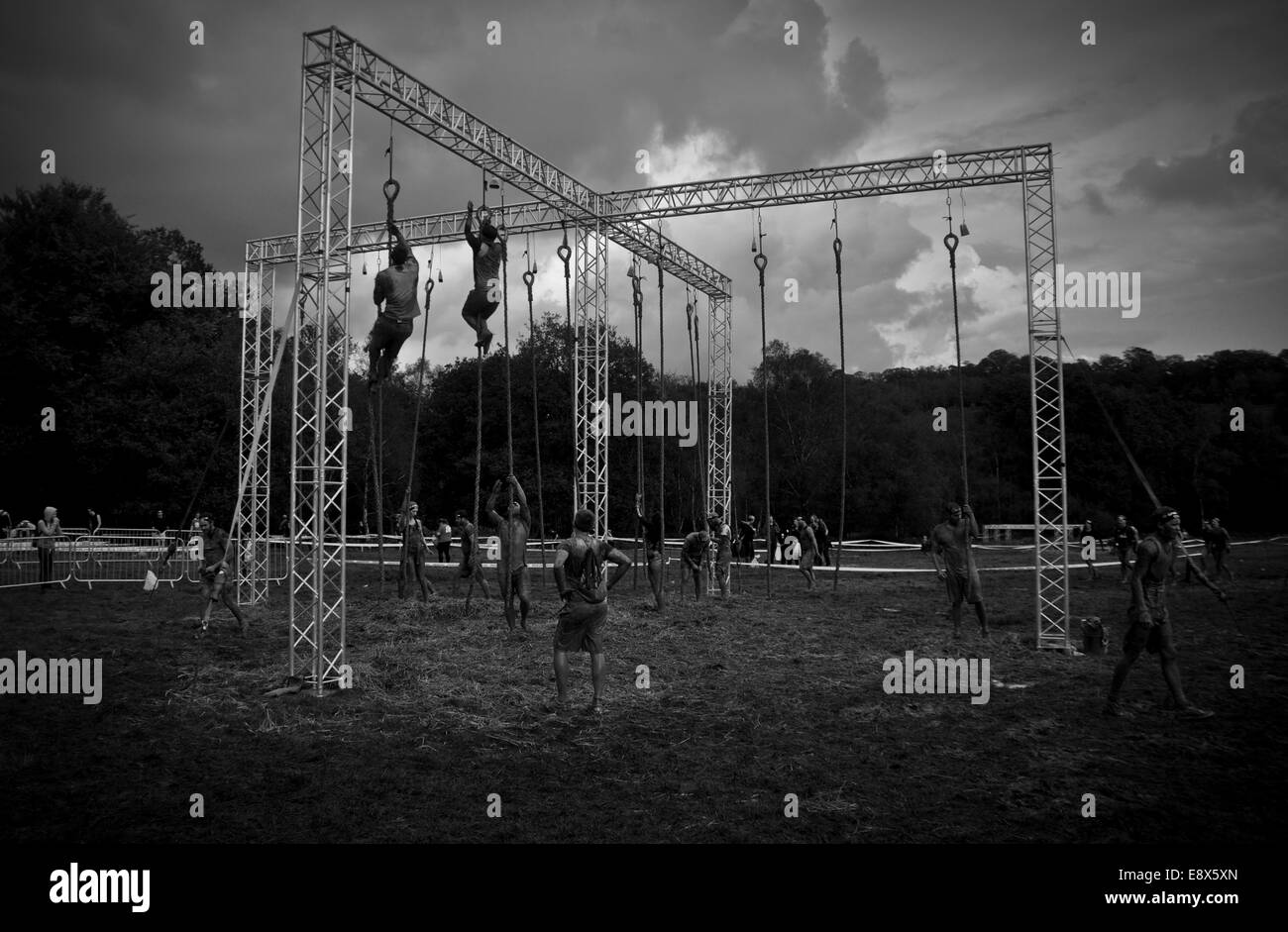 Participants battle against the elements in 2014 Spartan Race  Beast  -  Stock Image 6fe9779edcaf