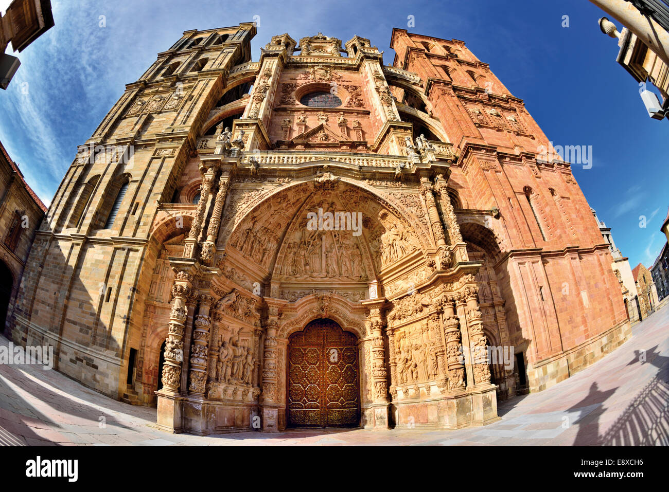 Spain, Castilla-Leon: Fisheye view of the Cathedral Santa Maria of Astorga - Stock Image