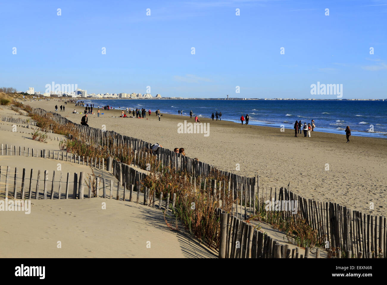 winter on the beach at grand travers walk carnon mauguio languedoc stock photo 74346127 alamy. Black Bedroom Furniture Sets. Home Design Ideas