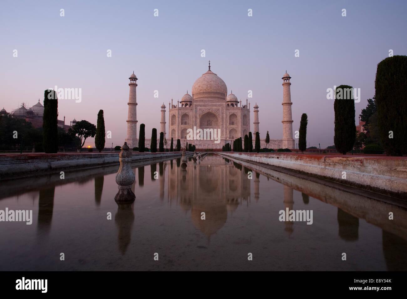Long Exposure Empty Taj Mahal at Dusk - Stock Image
