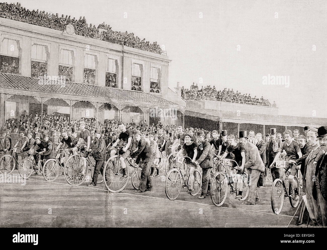 Kennington Oval, London, England.  Participants in a ten mile race wait at the starting line c.1892. - Stock Image