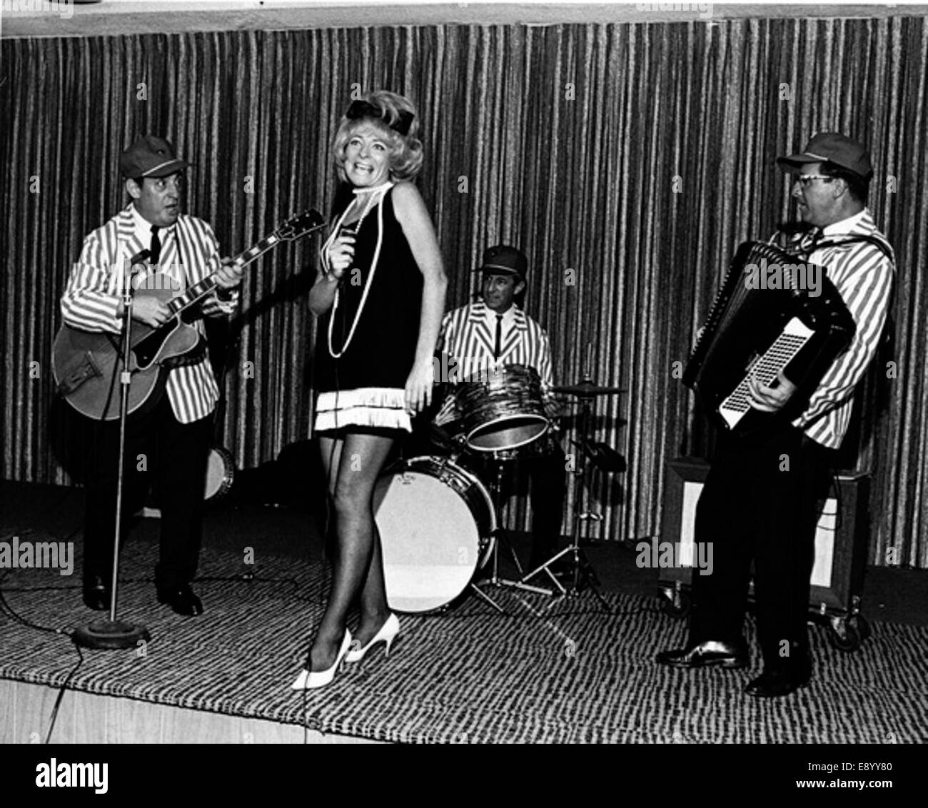 Band performing at the Lago Mar seaside resort - Fort 15312213169 o - Stock Image