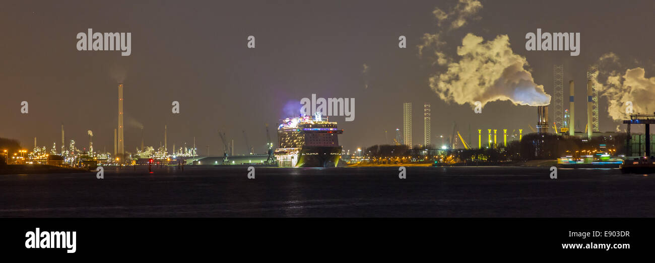 Panorama of nightly departure of Norwegian Getaway cruise ship of the Norwegian Cruise Line (NCL) from Rotterdam - Stock Image