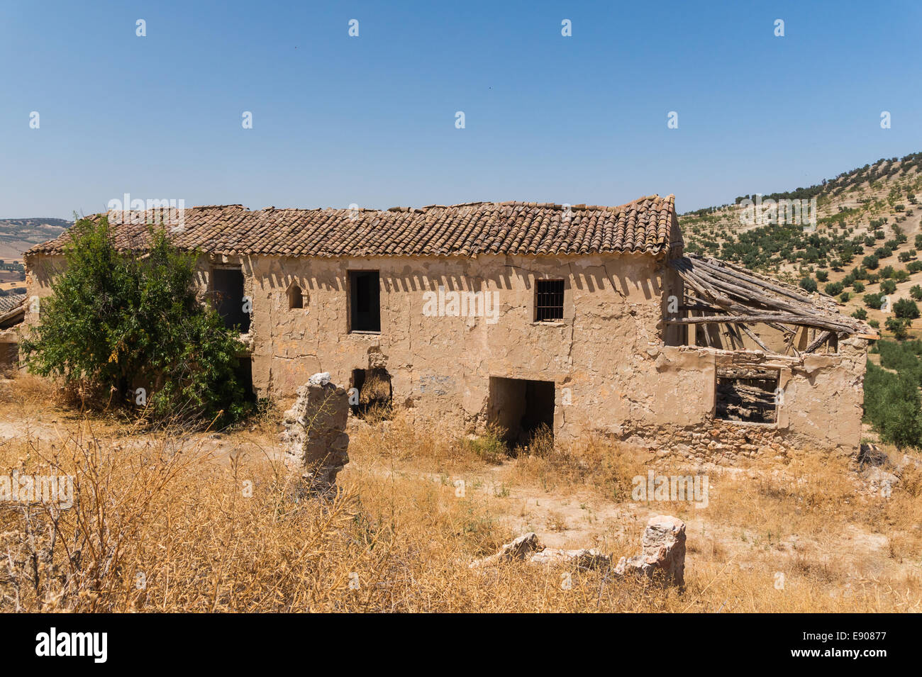 Ruined house, out of Arenas del Rey, Andalusia, Spain - Stock Image