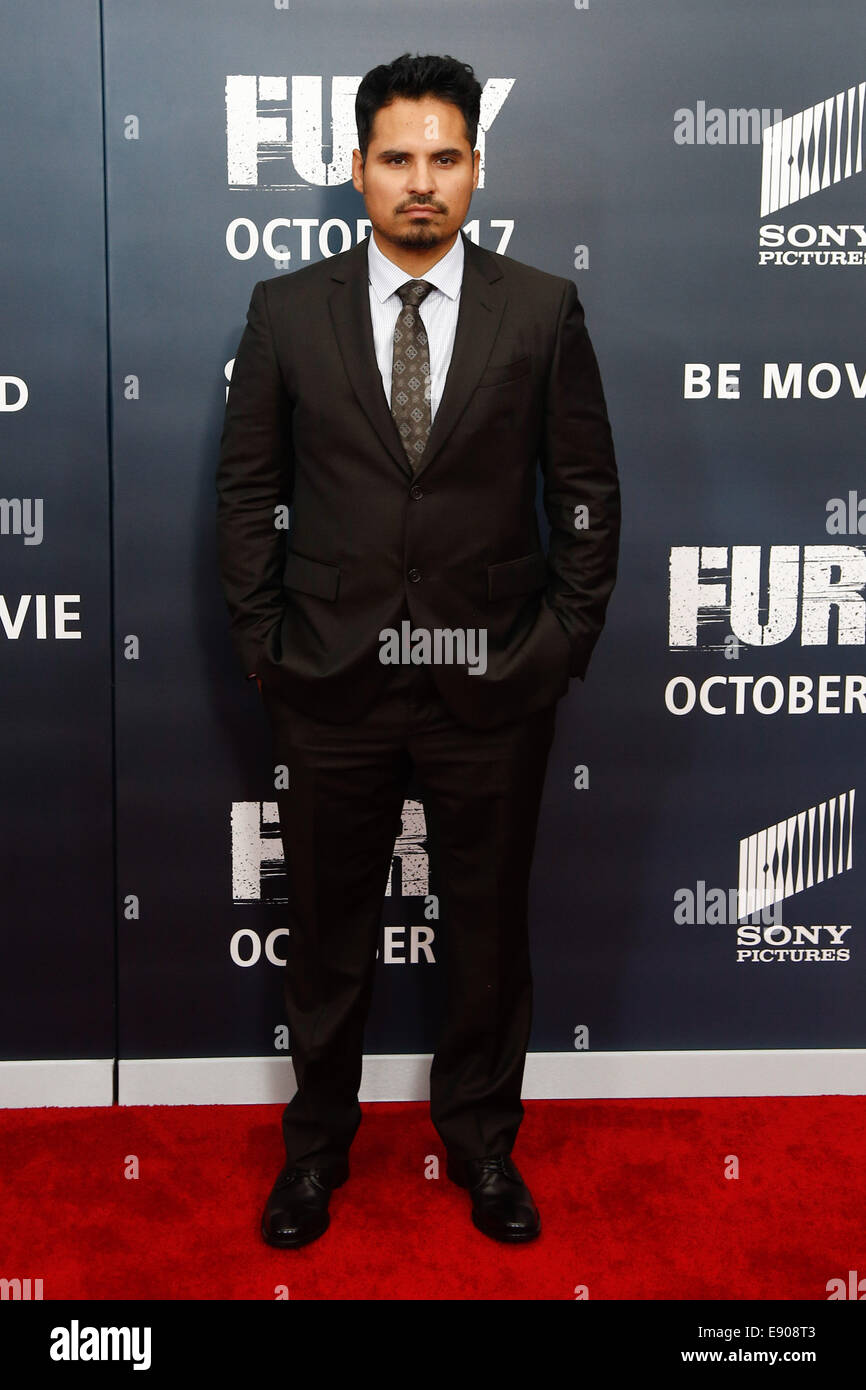 """Washington, DC, USA. 15th Oct, 2014. Actor Michael Pena attends the world premiere of """"The Fury"""" at the Newseum Stock Photo"""