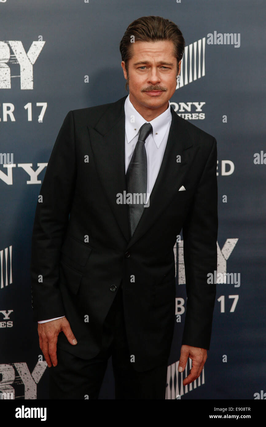 """Washington, DC, USA. 15th Oct, 2014. Actor Brad Pitt attends the world premiere of """"The Fury"""" at the Newseum on Stock Photo"""