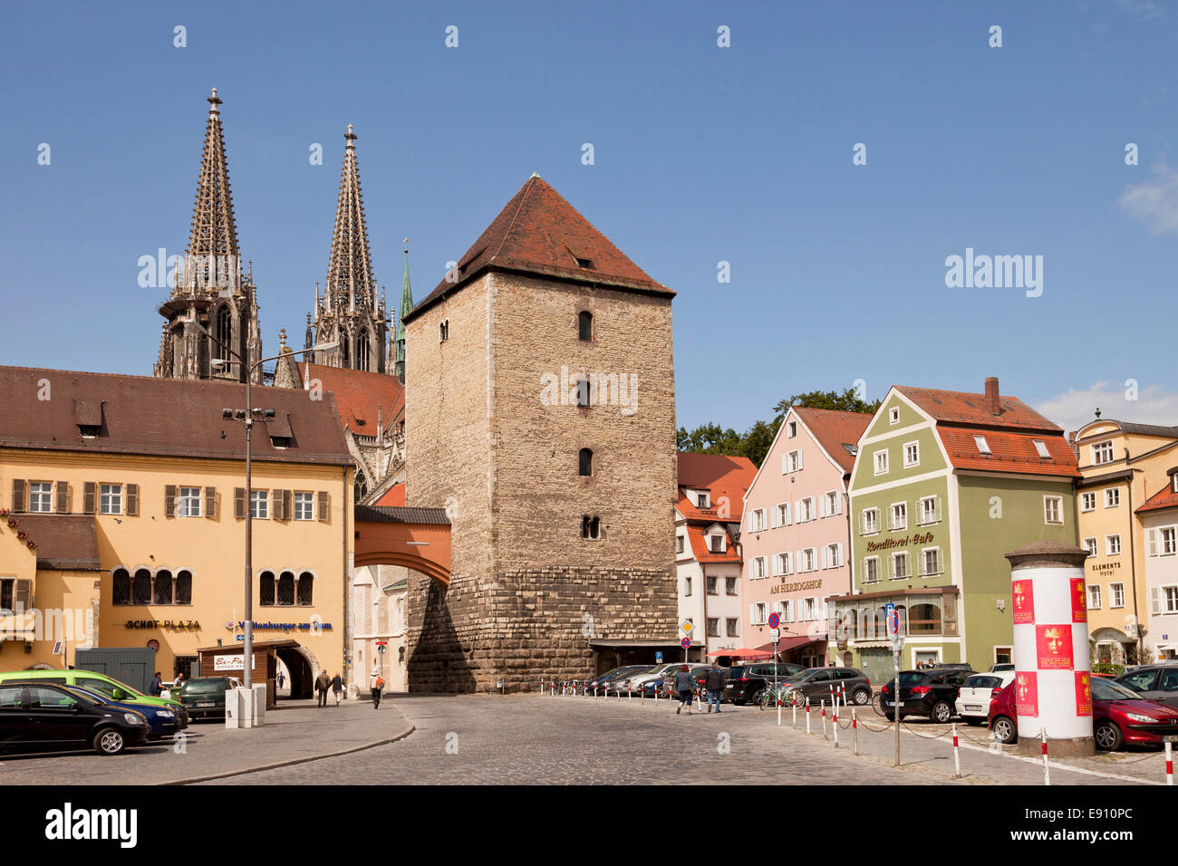 square Old corn market, Roman tower and the Regensburg Cathedral in Regensburg, Bavaria, Germany, Europe - Stock Image