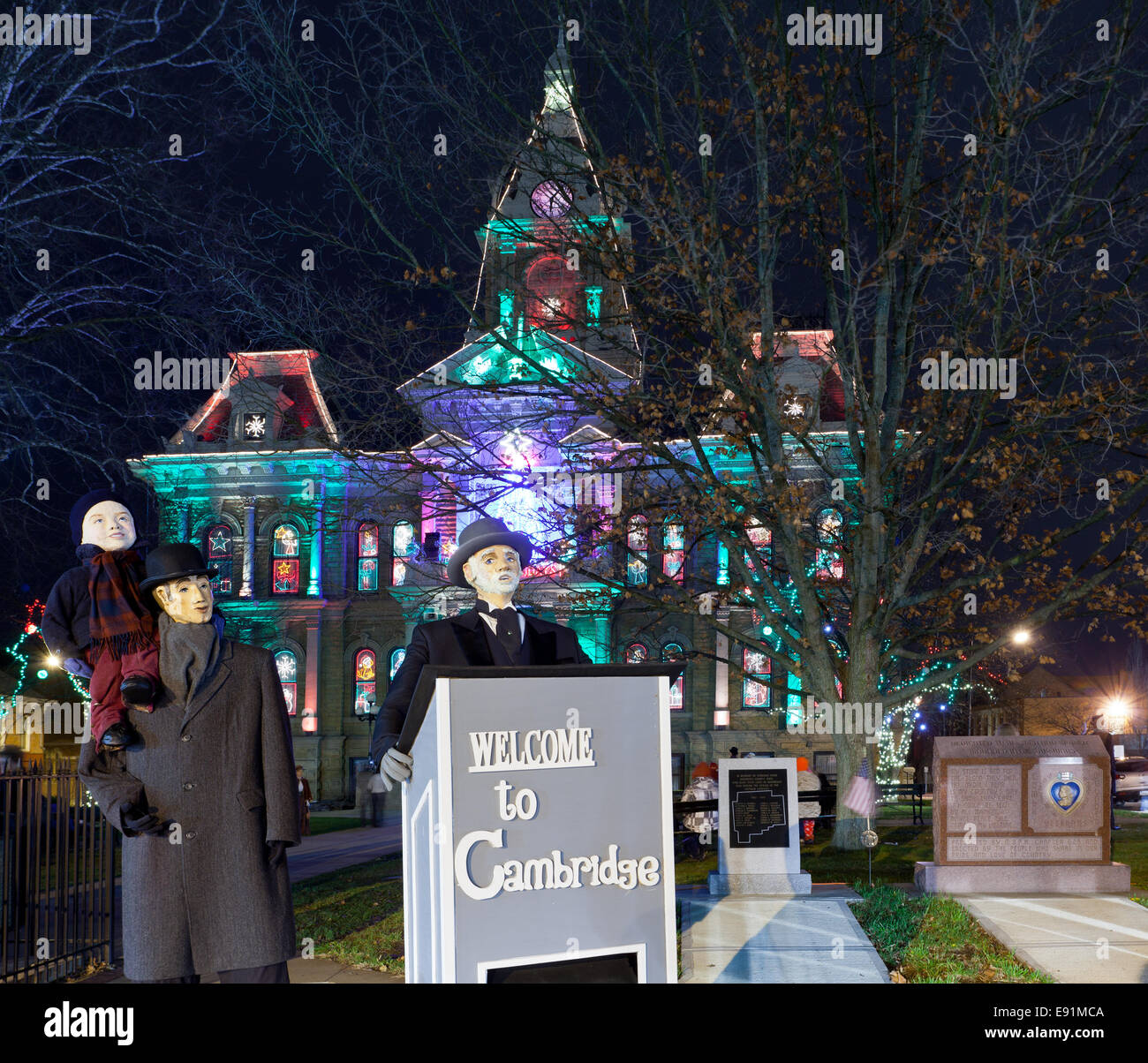 Cambridge Ohio Christmas Lighting Stock Photo: 74411354 - Alamy