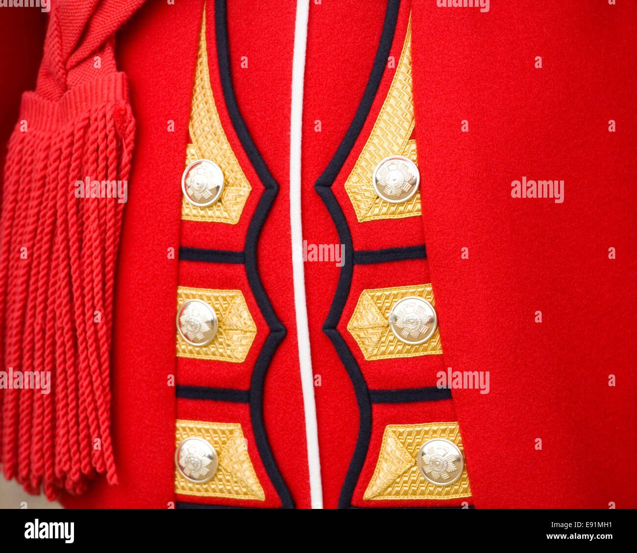 London, Greater London, England. Rear view of the red tunic of a guardsman of the Scots Guards at the Colonel's - Stock Image