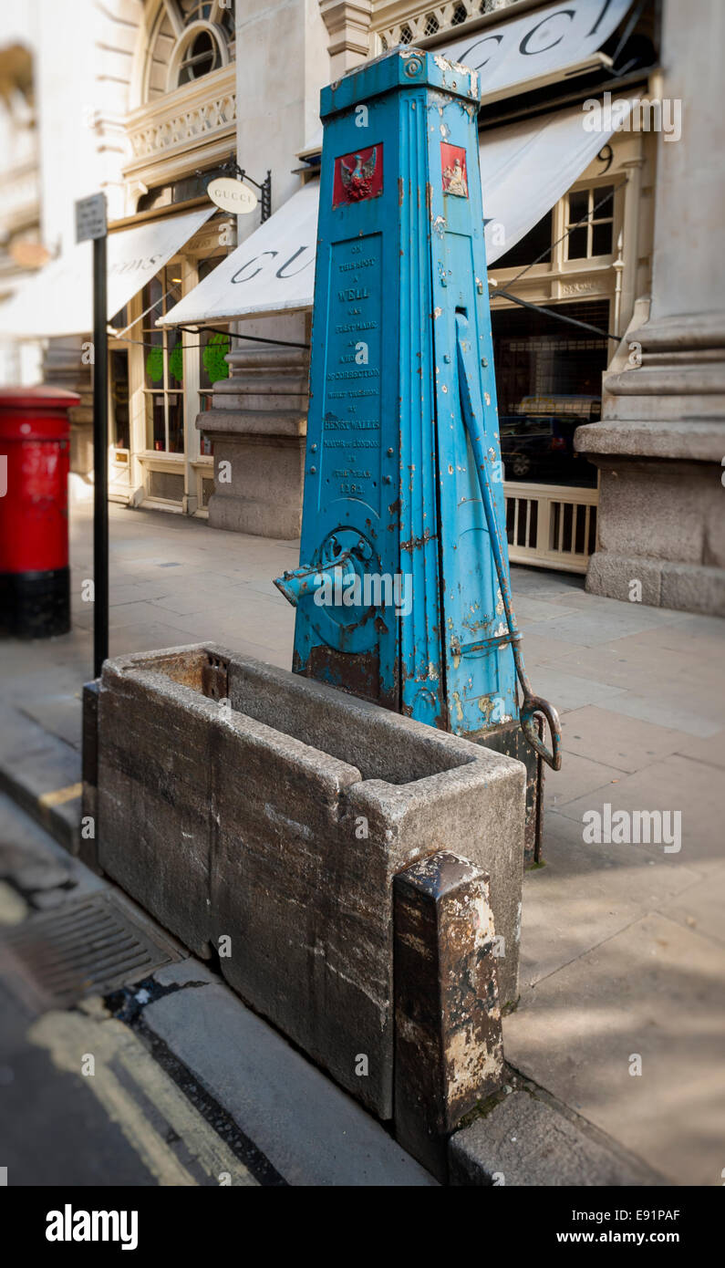 Water Drinking Well, Built 1282, Cornhill, London, Britain. - Stock Image
