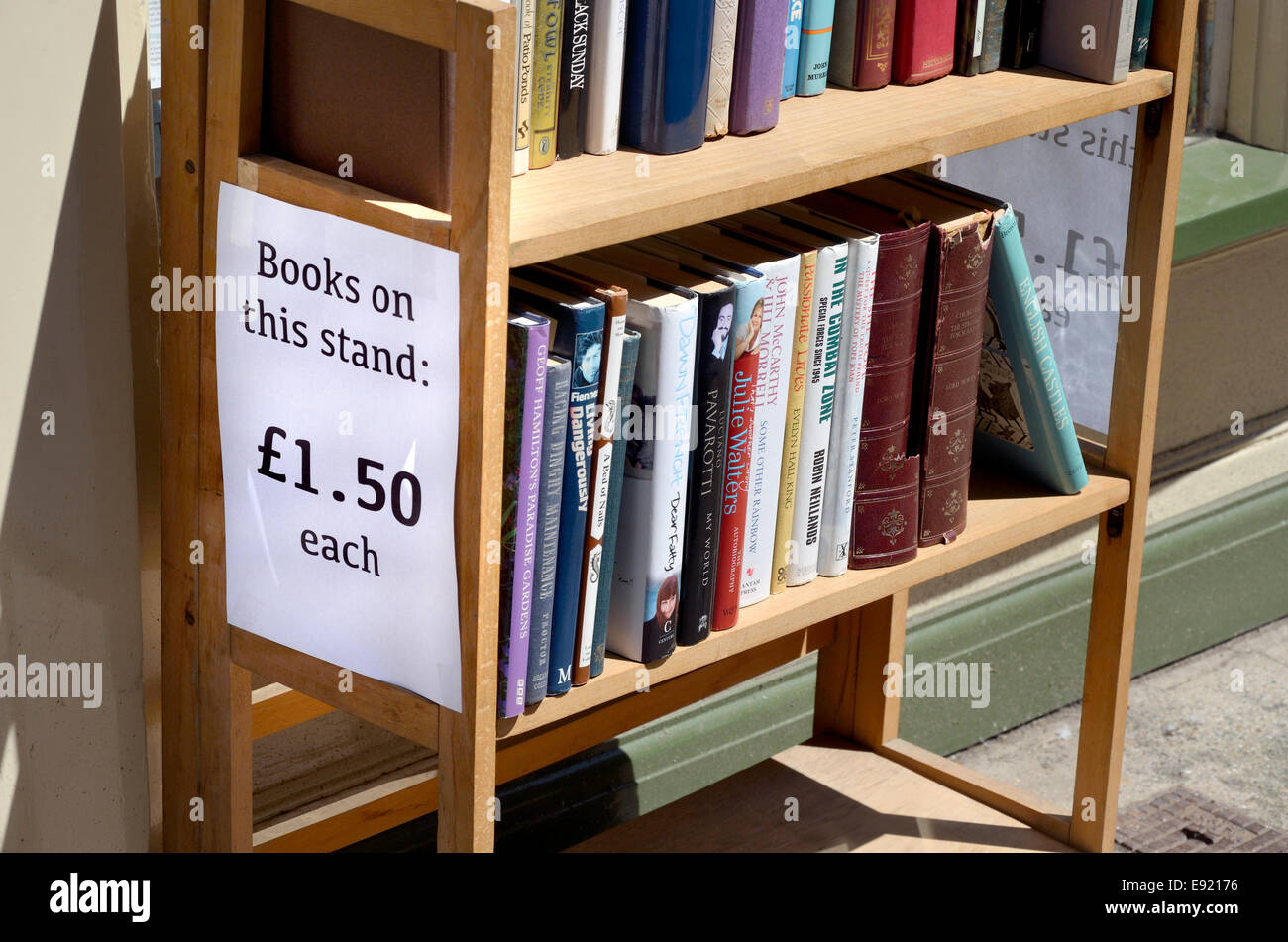 Rochester, Kent, England, UK. Stand outside a secondhand bookshop - Stock Image
