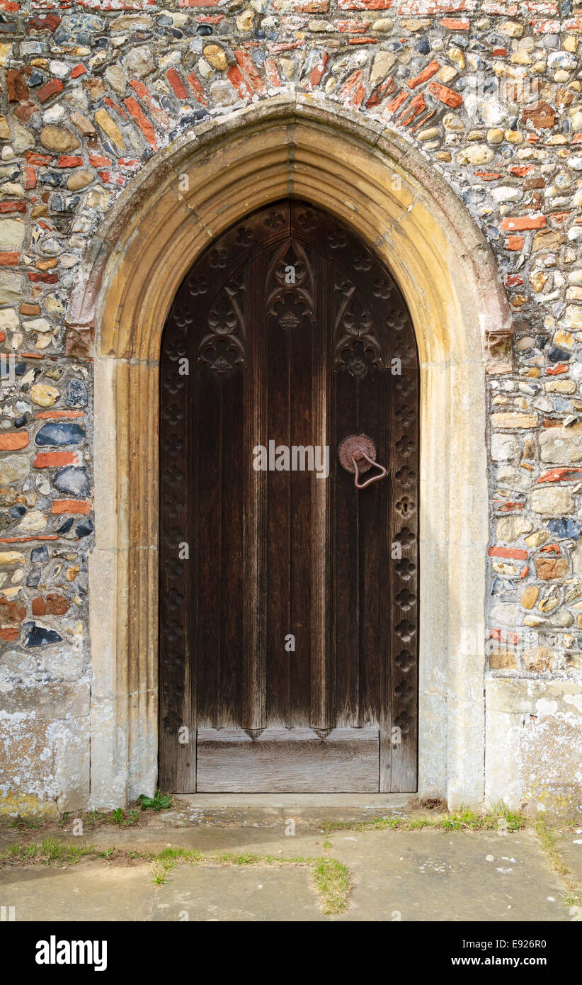 Entrance to an old medieval church in England with strong wooden doors. - Stock Image & Medieval Church Door Stock Photos \u0026 Medieval Church Door Stock ...