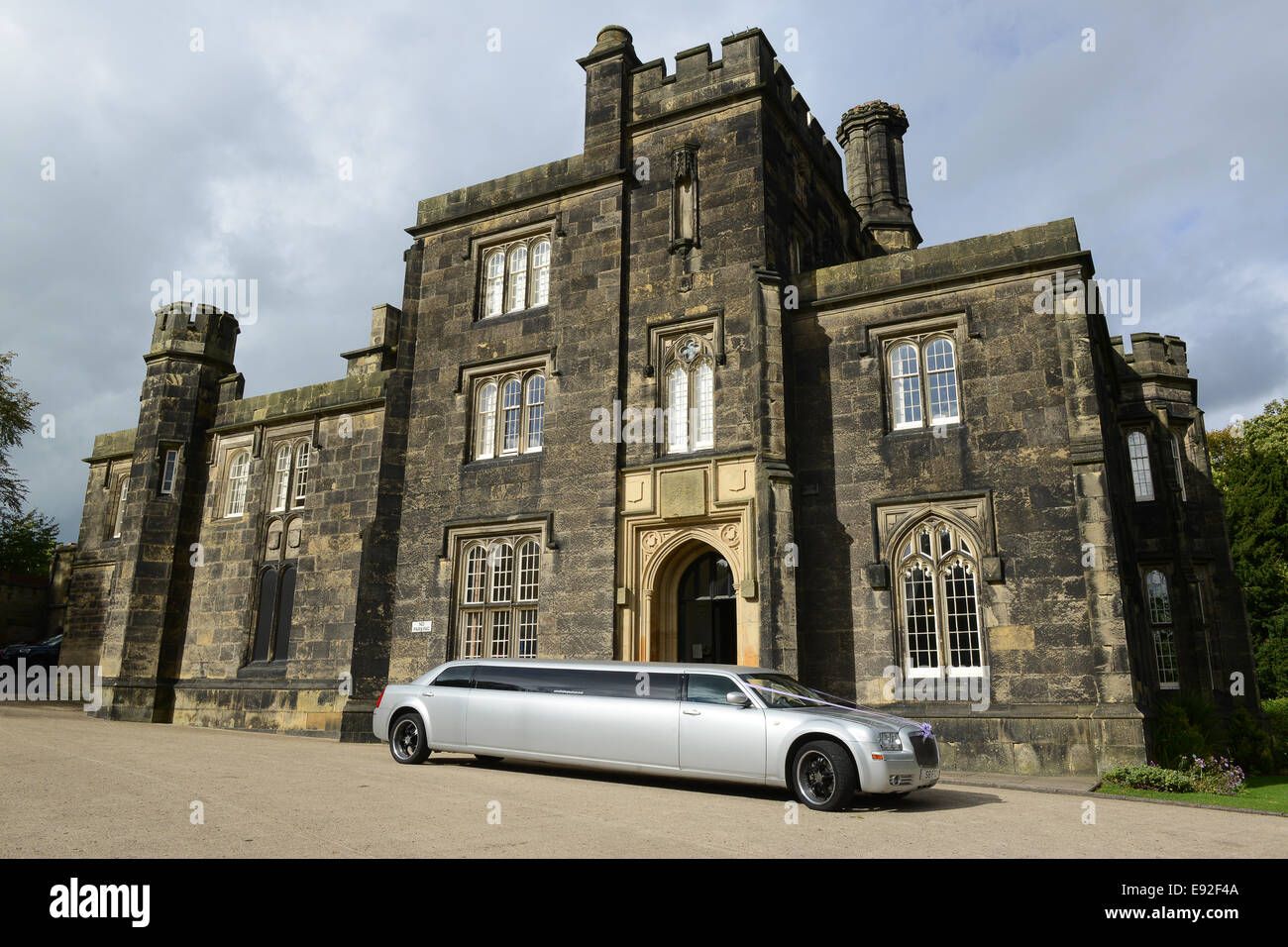 Dudley Priory Hall and registration registry office with stretched limo limousine West Midlands Uk - Stock Image