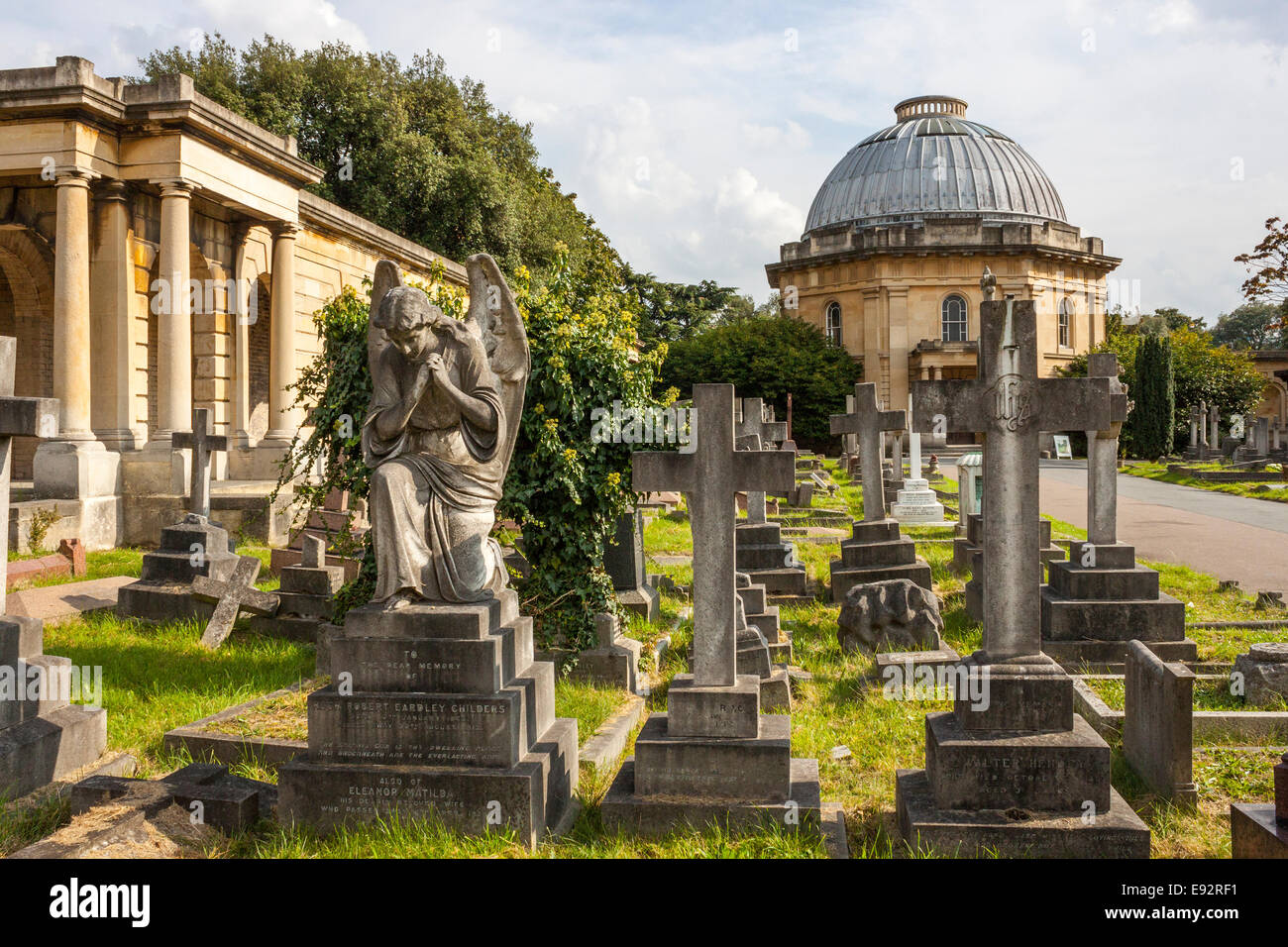 Anglican Chapel and Colonnade, Brompton Cemetery, London Stock Photo